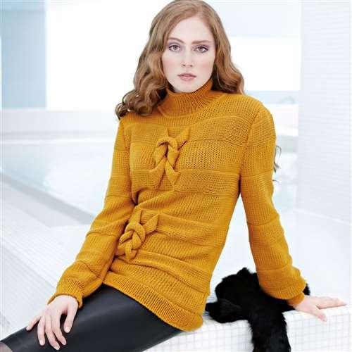Оригинальный свитер спицами с декоративными узлами