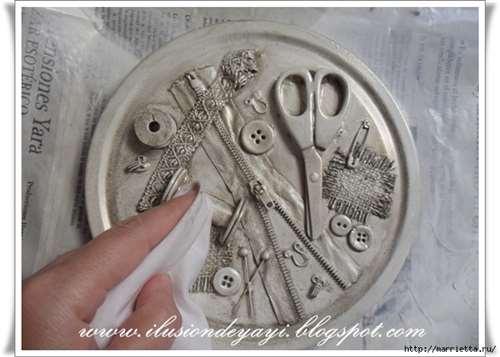 Швейный стимпанк) Декор шкатулки швейными принадлежностями. Мастер-класс (11) (656x468, 232Kb)